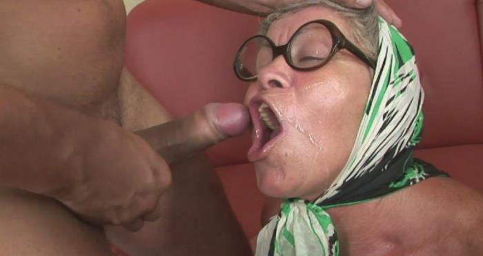 [Grandmams - Old women fucked crazy by some young guys] Amateur [This old lady loves the taste of cum] [FullHD]