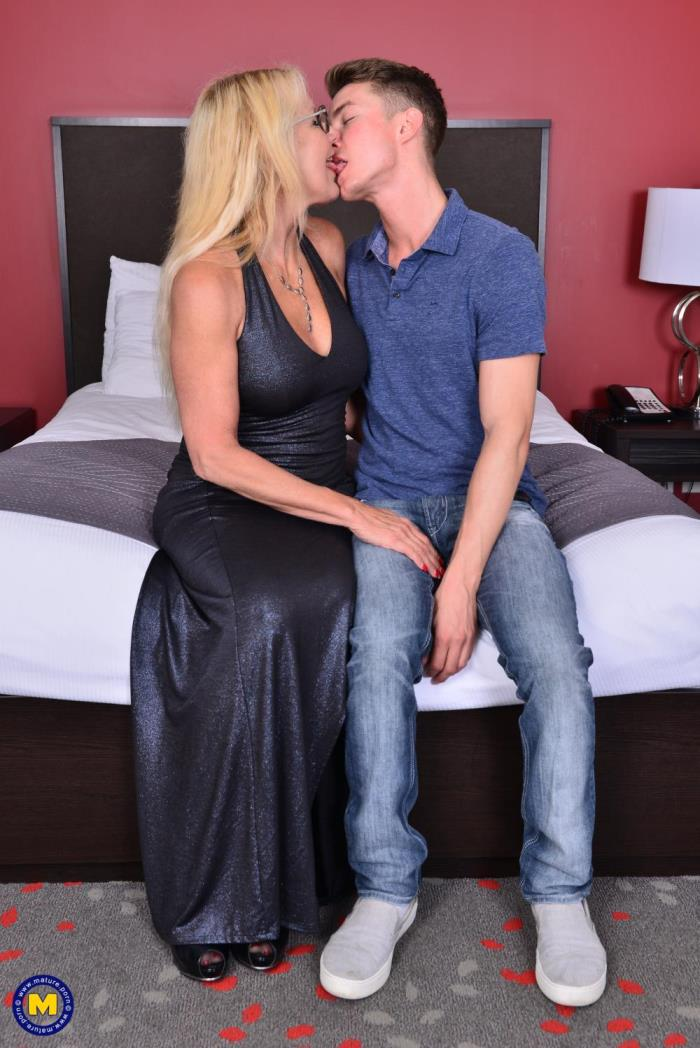 [Mature.porn] Bianca J. (56) [Canadian cougar doing her toyboy] [FullHD]