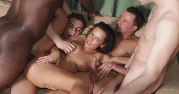 [GROUP SEX GAMES Videos] EuroBabes [Gangbang police officer] [FullHD]