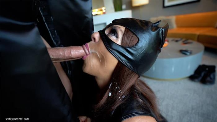 Sandra Otterson [Cat Does The Bat!] [HD] WifeysWorld