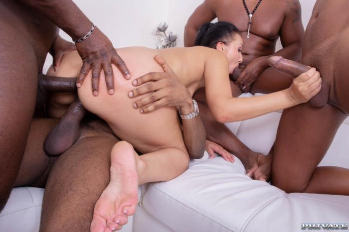 VANESSA VAUGHN [Hungry Brunette Takes on Four Black Studs] [SD] Europe Private Porn
