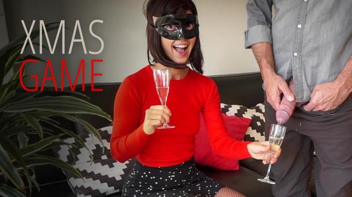 Bruce, Morgan [Xmas Drinking Game] [FullHD] Bruce And Morgan, Golden Shower and Piss Drinking Amateur Couple