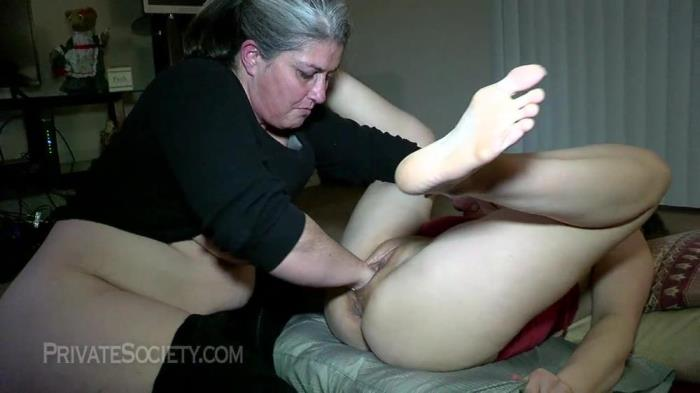 Amateur [Two Mamas Getting Down] [HD] Europe Private Porn Society