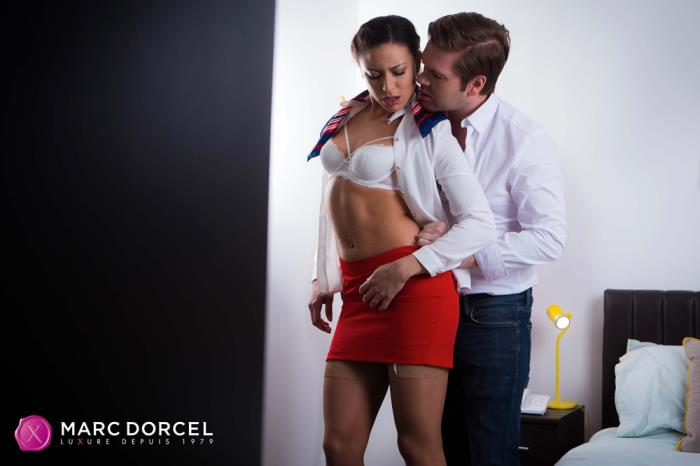 Cassie Del Isla [The stewardess meets the captain] [FullHD] DorcelClub