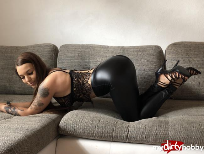 Gymbunny [Fucked in leather leggings - Mega cumshot on my leathery ass] [HD] MyDirtyHobby