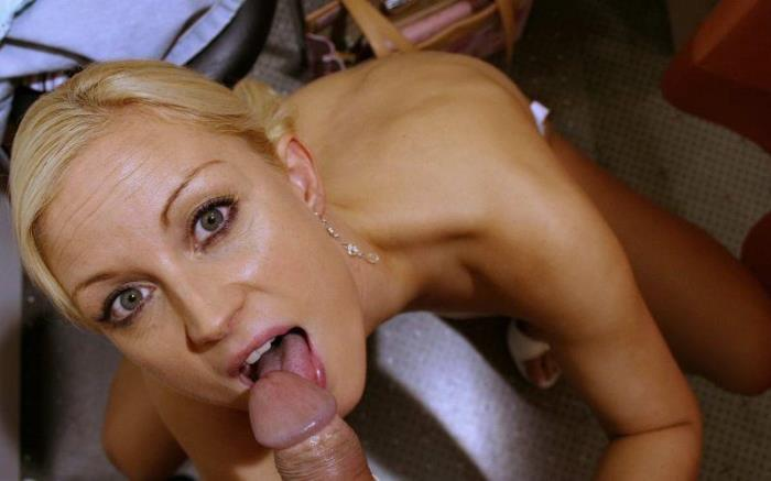 Jessika [Hot blonde in the locker room] [FullHD] Sextermedia